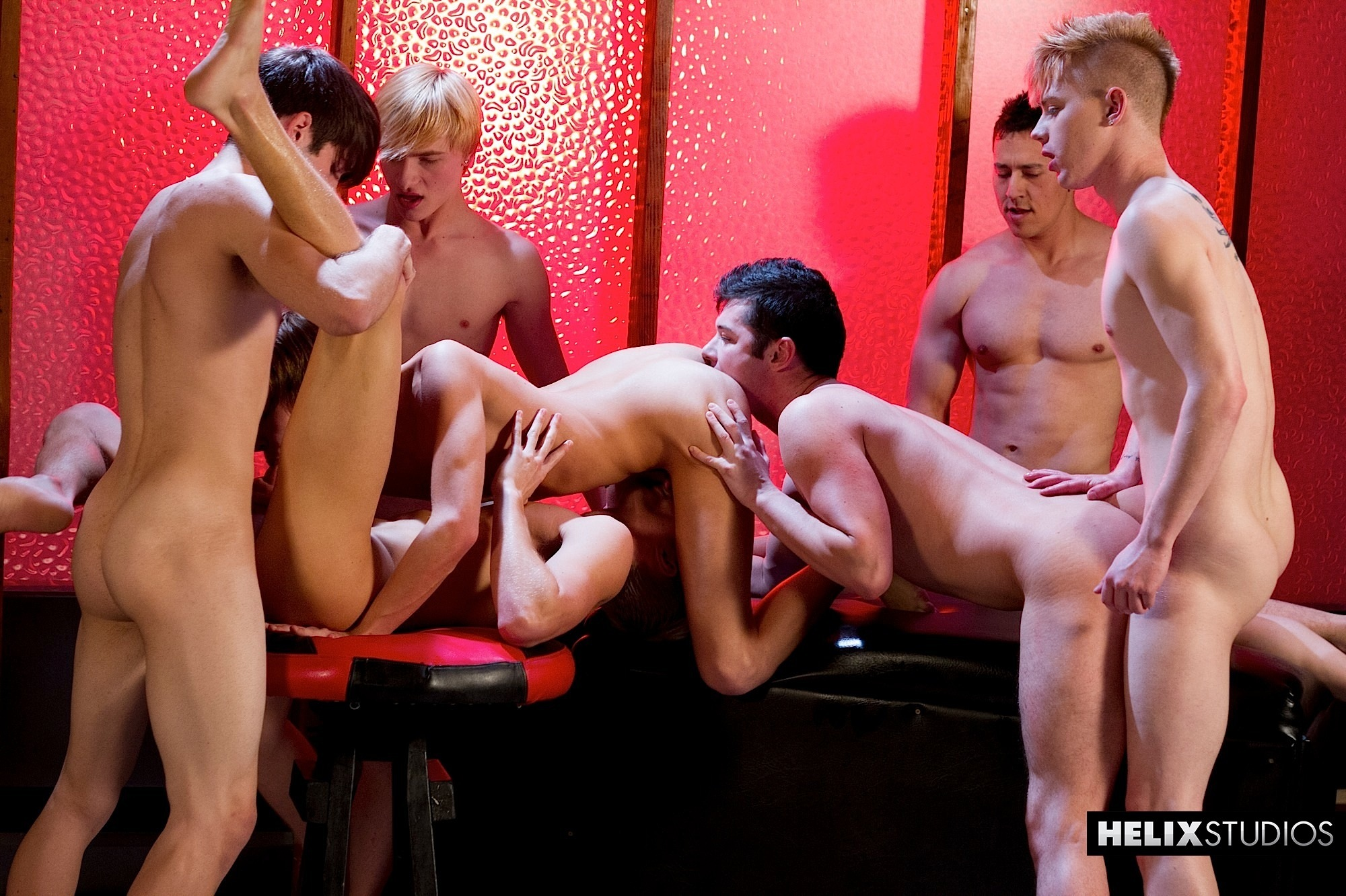 Helix-Studios-Max-Carter-Kyle-Ross-Aiden-Summers-Chase-Young-Dominic-Jones-Jessie-Montgomery-Kyler-Ash-Amateur-Twink-Orgy-10 Huge Cock Amateur Twink Orgy Featuring 7 Hot Amateur Twinks