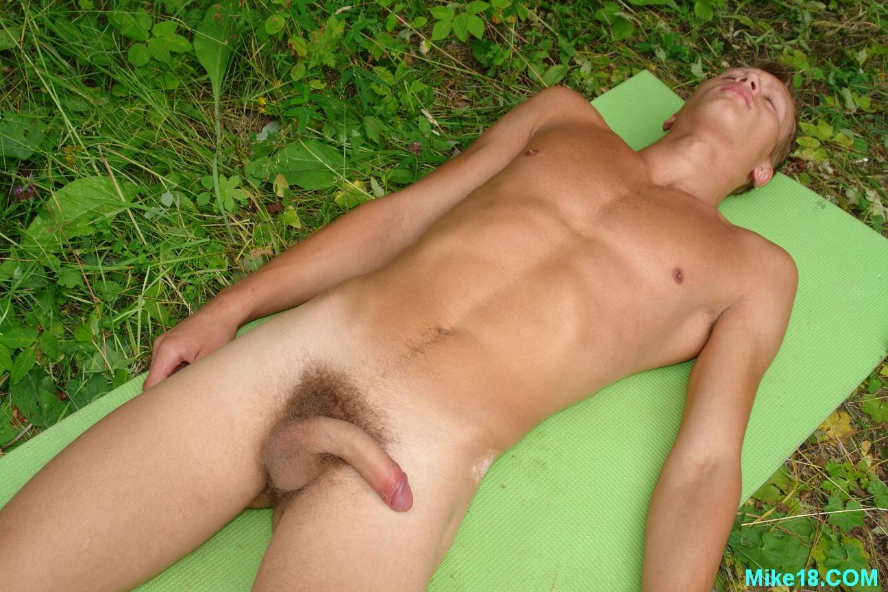 Blonde-Hairy-18-year-old-Twink-With-Big-Uncut-Cock-Masturbating-Amateur-Gay-Porn-06 18 Year Old Blonde Hair Cute Twink Jerking Off His Big Uncut Cock Outside