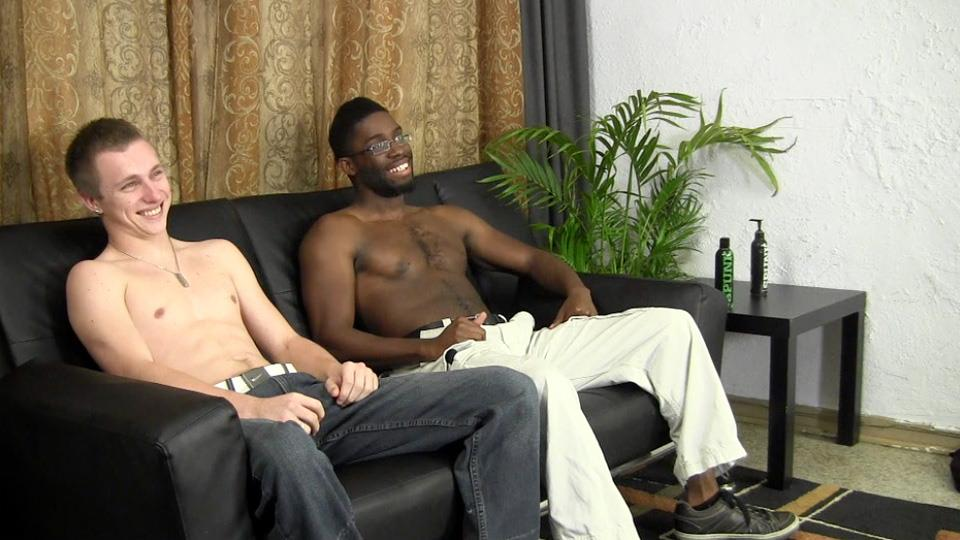Straight-Fraternity-Warren-and-Tyler-Straight-White-Gets-Fucked-By-A-Big-Black-Cock-Amateur-Gay-Porn-04 Straight White Boy Takes A Big Black Cock Up The Ass