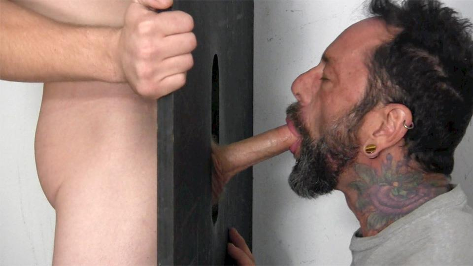 Dude Gets His Dick Sucked Trough Gloryhole